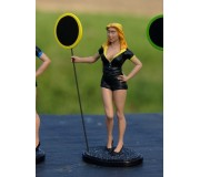 LE MANS miniatures Figure Lisa, grid girl