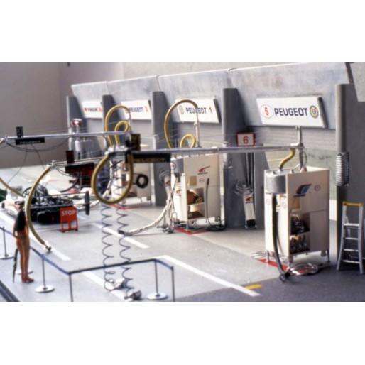 LE MANS miniatures Basic pit - Peugeot 905 n°6,7 Le Mans 1991