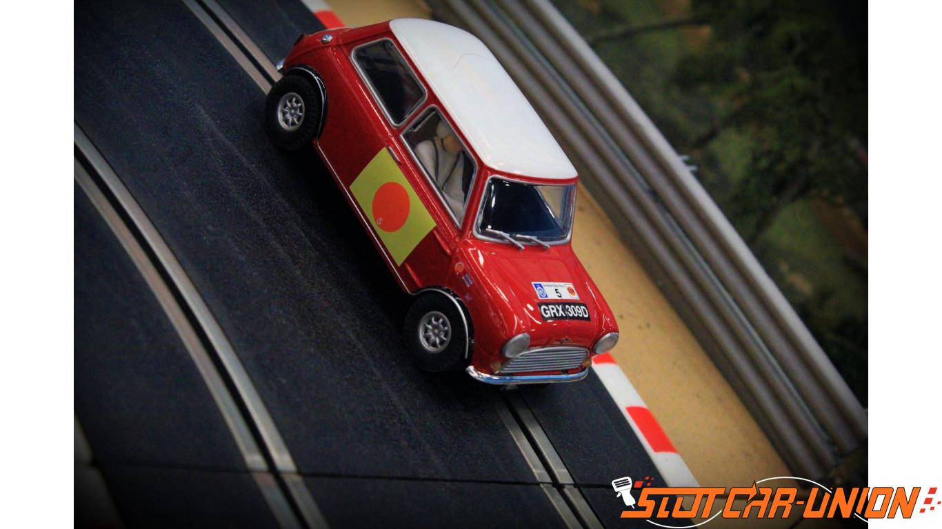Scalextric C3747 Mini Cooper S