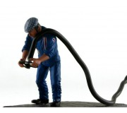 LE MANS miniatures Figure René, right refueller Team Matra 1974