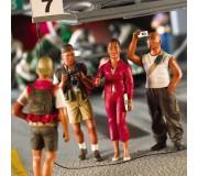LE MANS miniatures Set of 3 figures (journalist, photograph & young people)