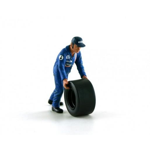 LE MANS miniatures Figure Francis, wheel carrier Team Matra 1974