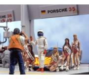 LE MANS miniatures Figures Set of 3 drivers