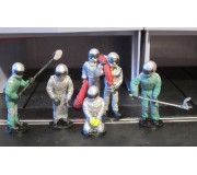 Slot Track Scenics SRA 12 Pit Crew get ready
