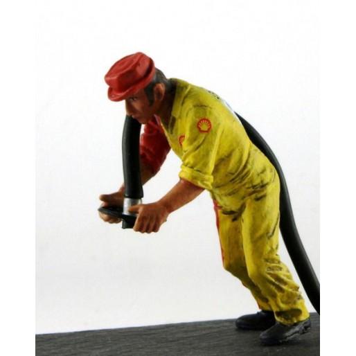 LE MANS miniatures Figure Maurice, right refueller