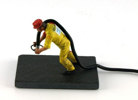 refueller droit LE MANS miniatures Figurine Maurice